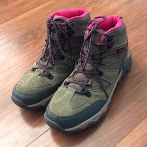 BearPaw Outdoor Boots Womens sz 11 M